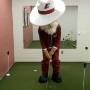 Honing his skills in the putting analyzer