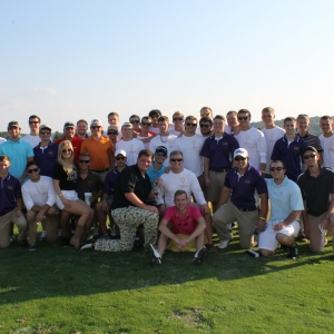 Group photo of golfers at the Bull